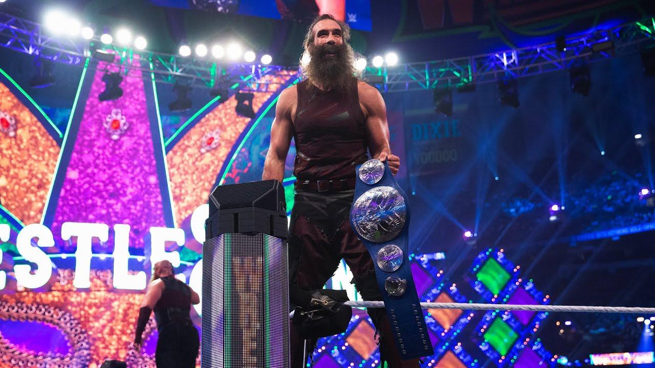 "WWE Superstars continue to honor the legacy of Jon ""Luke Harper"" Huber"