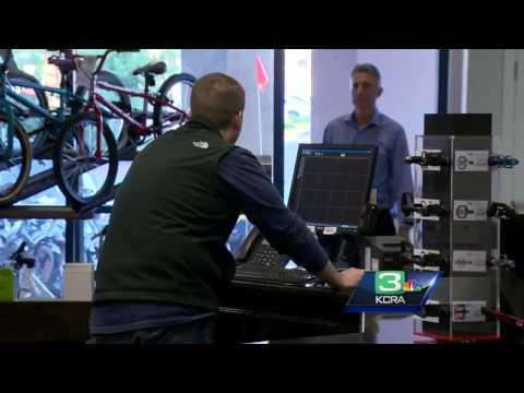 Alert clerk nabs an identity thief