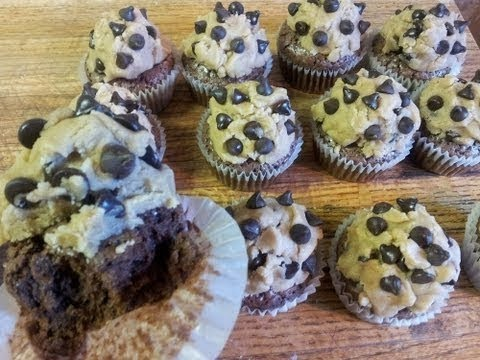 How To Make Brownie Cupcakes With Cookie Dough Frosting