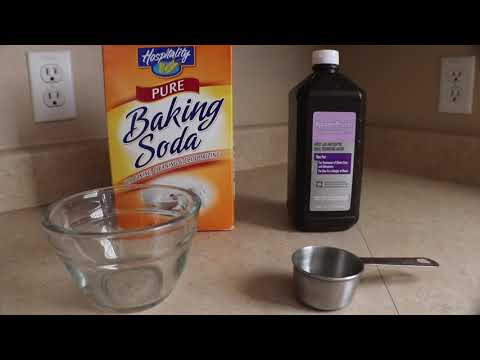 Using Baking Soda & Hydrogen Peroxide to Clean Pans