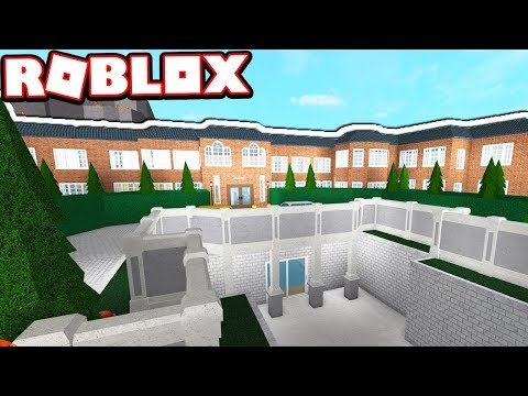 AUTUMN UNIVERSITY DORMITORY!!! | Subscriber Tours (Roblox Bloxburg)