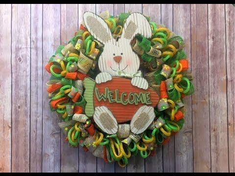 Easy Loopy Loop Wreath Tutorial {ribbon, mesh and tubing}
