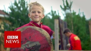 Orphan village helps Russia rethink fostering - BBC News