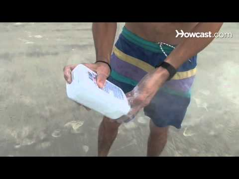 How to Get Sand Off Yourself at the Beach