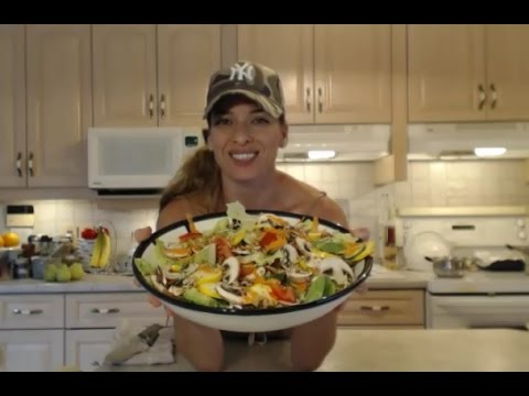 How to Make a Healthy Garden Salad: Cooking with Kimberly