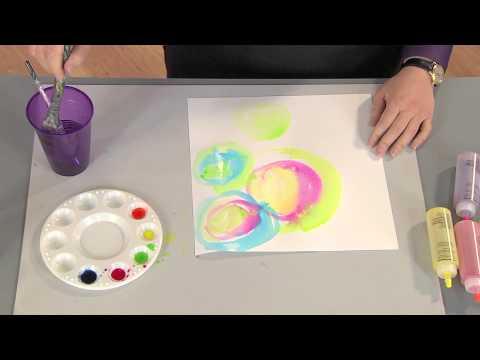 412-4 Julie Fei-Fan Balzer creates a tie dye look with a watercolor technique on Scrapbook Soup