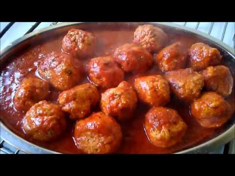 Meatballs Recipe. Meatballs in tomato sauce at home, the italian way, How to make Meatballs sauce