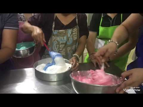 How to fold your BOILED ICING when adding colors properly.