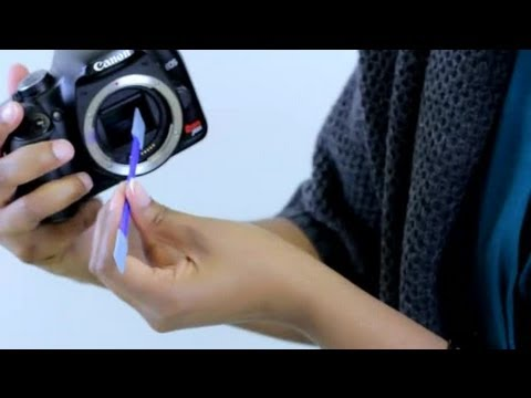 How to Clean a Sensor on a Canon Rebel SLR Camera : Pro Photography Tips