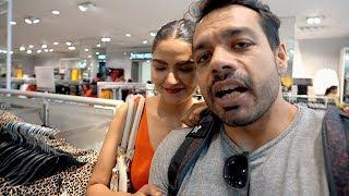 """While Shopping """"Tum shadi ke baad badal gaye ho"""" .. 😢"""