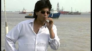 Shahrukh Khan smokes during interview, discards cigarette and matches in Arabian Sea