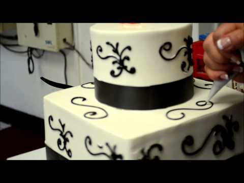 Square and round wedding cake design