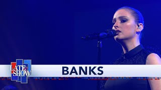 BANKS Performs 'Contaminated'