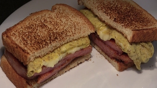Delicious Breakfast Sandwich: How To Make A Spam Egg & Cheese Sandwich