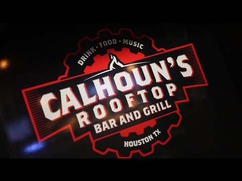 "Calhouns Rooftop Brings An ""Affordable"" Sports Bar and Grill to UH Campus"