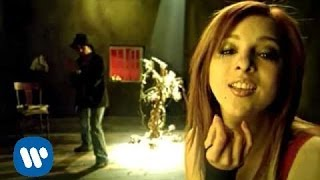 Lu - Por Besarte (Official Music Video)