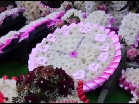 Lou Wells: Her gipsy funeral flowers