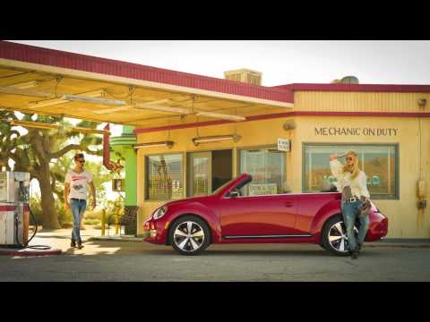 2013 VW Beetle cabrio first look