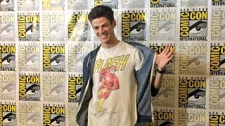 ⚡ The Flash Cast   Funny Moments & SDCC 2016 ⚡