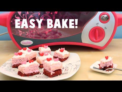 Easy Bake Oven Strawberry and Red Velvet Miniature Cake Baking