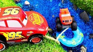Download Машинки Вспыш и Маквин устроили гонки! Видео про игрушки Video