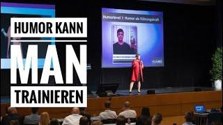 Humor lernen - Humorexpertin Eva Ullmann auf großer Bühne - Deutsches Institut für Humor