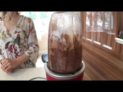 Chocolate Paleo Protein Pancakes: Simple 4 ingredient recipe