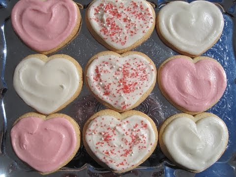 BUTTERCREAM FROSTING for VALENTINE'S DAY SUGAR COOKIES - How to make BUTTERCREAM FROSTING Recipe