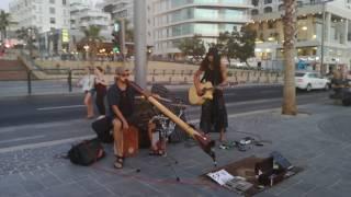 TEL AVIV STREET MUSIC AFTER THE SUNSET