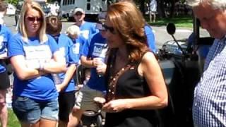 Michele Bachmann prays for fallen Minnesota soldier