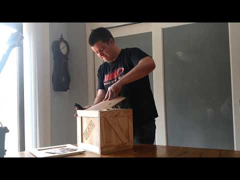 Man Crates!  Unboxing my Man Crate for my birthday!  2x speed unboxing video!
