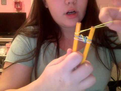 Using Pencils to Make A Rainbow Loom Fishtail Bracelet!