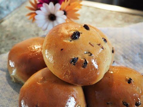 Baking stories - Raisin buns