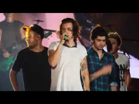 What Makes You Beautiful (Live) - One Direction Houston 8/22/14 FRONT ROW