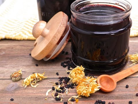 How to Make Cold & Flu Elderberry Syrup