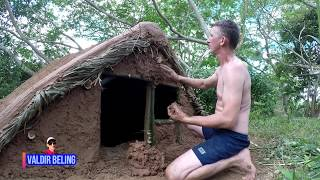 primitive technology Brazil Amazonas; underground house. CASA SUBTERRÂNEA