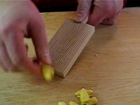 Making Pasta with the Gnocchi Board