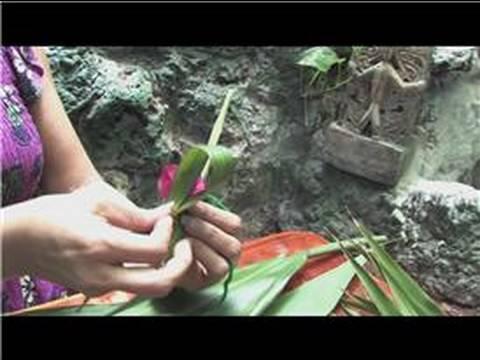 Making Hawaiian Leis : How to Make a Hawaiian Lei for Boys