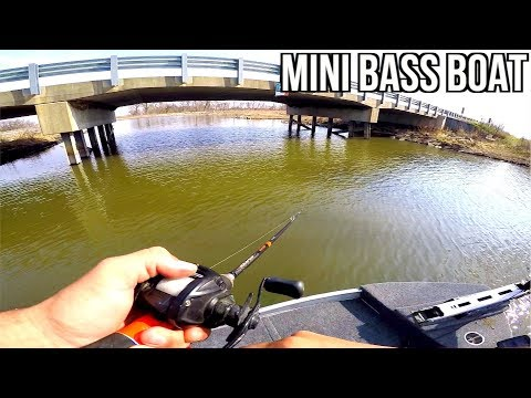 Fishing in the MINI Bass Boat!!! (Maiden Voyage)