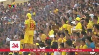 Reuters đưa tin về hình ảnh khán giả ngập tràn khán đài V.League 2020 | VTV24
