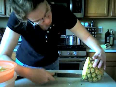How to make bowl out of a pineapple