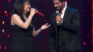 Aditi Singh Sharma With The Singer Side Of Shahrukh At RSMMA   Radio Mirchi