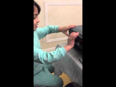 5 YEARS OLD GIRL OPEN SENTRY SAFE CASH BOX IN 15 SEC