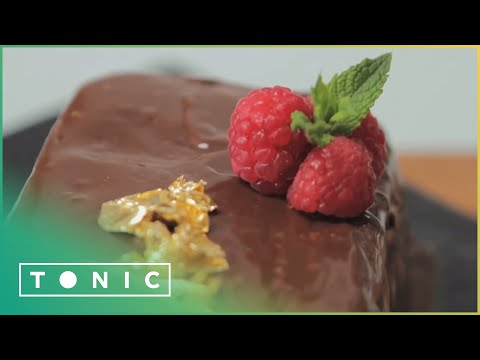 THE ULTIMATE: CHOCOLATE TRUFFLE CAKE