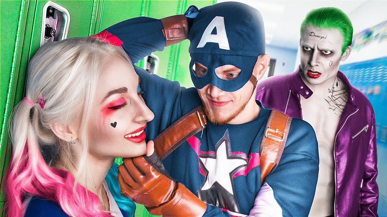 Superhéroes en la Universidad / Situaciones Graciosas
