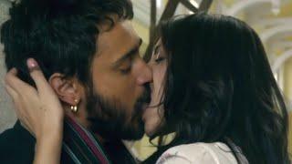 Anushka Sharma Hot Kissing Scene in Matru Ki Bijlee Ka Mandola !!