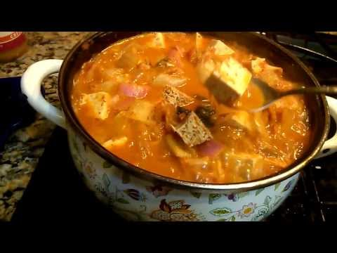 Vlog: Vegan kimchee jiigae or kimchee stew cooking tip: Not a tutorial by Omma's Kitchen