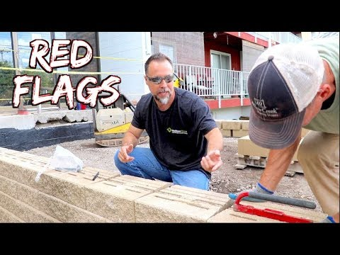 How NOT to Build a retaining wall.  RED FLAGS, common mistakes, bad designs pt1