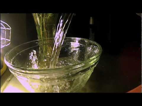 GoPro Hero2 120 fps Slow Motion water pour.