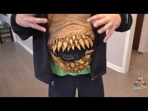 Alien Costume | Halloween Express Mask & Makeup Haul